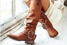 Las botas que nos gustan / Un clásico de temporada en todas sus presentaciones, formas y colores. #IdeasenOrden #moda #OtoñoInvierno