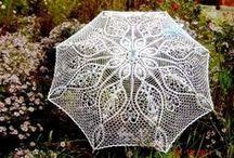 CROCHET. Doily and umbrellas