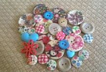 Buttons n bits / All objects little n unusual / by Tracy Rollo