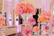 Lenôtre - Créateur d'émotions / Les plus beaux moments de la vie méritent les plus belles attentions gourmandes.  Traiteur de légende, Lieux d'exception...  #mariage #reception #pieces_montees