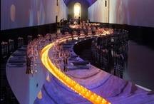 Lenôtre - Réceptions prestigieuses / Ces artisans un peu sorciers, ces artistes aux talents fous, flirtent avec la démesure.   Gianfranco Ferré, Jean-Paul Guerlain, Louis Vuitton, Sonia Rykiel, Nathalie Rykiel, Lolita Lempicka, Philippe Starck, Louis Féraud, Yves Saint-Laurent, Cristofle, Christian Lacroix, et aujourd'hui Karl Lagerfeld défilent pour la Maison Lenôtre.  #arts_de_la_table #réception #luxe