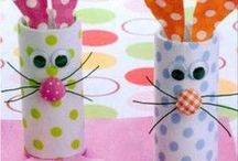 Easter Activities for Kids / Fun Easter activities for kids including egg dye ideas, Easter basket ideas, Easter treat ideas and lots more.