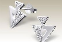 CZ Ear Studs / Cubic zirconia (CZ) is synthetic diamond. Have same look, but much cheaper. Ear studs with CZ is best gift for any occasion.