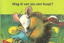 Valentijn / Valentijn knutsels en k3 musical kijken ,de 3 biggetjes. Winnie de Pooh, Valentines day.