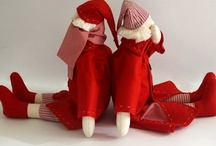 Christmas dressed in red / Fabric, handmade creations in red shades, sometimes perfumed, in order to spice everyday life.