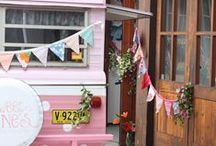 Caravan Makeover / Caravan makeover pics. Take one ugly little caravan and turn it into something lovely. This little selection of caravan makeovers are fabulous.
