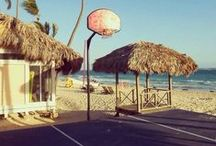 HOOPS OF THE WORLD / The coolest pictures of Basketball Hoops in the World