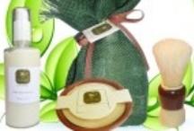 Presents / Επιλέξτε τον συνδυασμό των προϊόντων που σας ταιριάζουν και κάντε το πιο υπέροχο δώρο σε φίλους και αγαπημένους!  Μπορείτε επίσης να επικοινωνήσετε μαζί μας για να σας φτιάξουμε οποιονδήποτε συνδυασμό από προϊόντα και συσκευασίες επιθυμείτε!