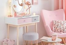 Girl's room / girl room interiors design