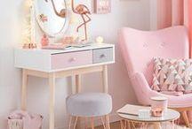 Girl's room / girl room interiors design