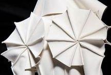 Sculptural fashion = Art on legs?