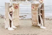 Outdoor Weddings / Inspiration for your vows taken outdoors