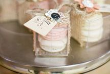 Wedding Favours / Inspiration for innovative and fun wedding favours #attendeegifts