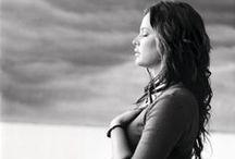Prenatal yoga / Yoga exercises, benefits of yoga during pregnancy