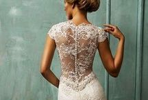 Wedding Dresses / Wedding dresses & bridal inspiration.