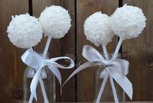 Wedding Cakes / Stunning wedding cakes and favours. Inspiration and ideas.