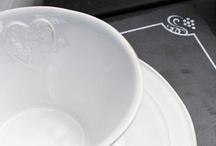 Menaje / Esta temporada en Verdecora te proponemos la vajilla ideal para una cena, tazas para el té y todo tipo de complementos para tu cocina.