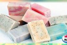 Jabones,Cremas y Aceites / Remedios caseros y naturales para la piel / by Madis Madison
