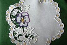 Вышивка ришелье / Прекрасная во все времена, ажурная, покоряющая лёгкостью и изяществом вышивка.