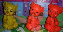 BONECOS DE BORRACHA & PELÚCIA / Resgate histórico de brinquedos que marcaram época.