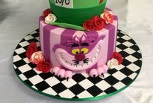 Cool Cakes/Pies/Cupcakes / by Alison McCullough
