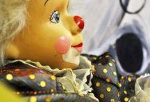Pierrot.Harlequin.. / Pierrot,Harlequin,Pajac....Jego nowe życie w nowym stroju,w nowej stylizacji.W tle obraz Agaty W-B
