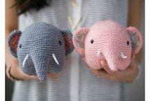 Crochet / Crochet away.