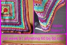 """Crochet along 2015 / Op de facebookgroep """"Dutch Crochet, a Granny a day 2013"""" beschrijven Jolanda en Teria elke week een deel van een deken. Dit jaar heb ik beslist om mee te doen met de Crochet Along 2015. Elke vrijdag verschijnt er weer een beschrijving van een steek."""