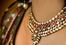 DIY: Jewelry/Beading / by Sheila Reyes