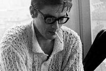 Alain Delon, icône masculine / Etude de style Français : Alain Delon à travers différentes époques.
