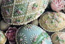 Devine collections / Vintage textiles Brocante  flea market car boot accents decorative artefacts