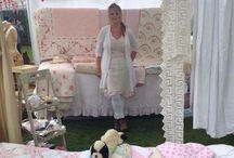 My vintage fairs my stall my findings and foraging / Vintage quilts, home and country wares