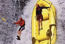 Rafting / Vier bis zwölf Personen in einem Schlauchboot auf Wildwasser – das ist Rafting. Das feuchtfröhliche Abenteuer wird auf zahlreichen Flüssen dieser Welt und in speziell dafür eingerichteten Anlagen angeboten – wer sich in Kanada versuchen möchte, ist hier richtig: http://www.sktouristik.de/index.php?stoken=418D7874&force_sid=&lang=0&cl=search&searchparam=rafting