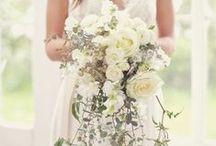 Mariage Bucolique / Les mariages mêlant poésie et romance font leur grand retour dans la décoration de mariage. Pivoines, roses et hortensias sont de rigueur, les bougies viennent pour apporter magie et romantisme.