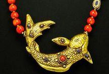 Statement Necklaces / Bigger-than-life necklaces, statement necklaces.