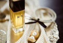 CLASSIC PERFUMES | BILLIGPARFUME.DK / De klassiske ikoniske parfumer gennem tiderne. www.BilligParfume.dk