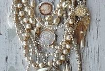 Perfect Pearls / Lustre with life - Simple to the Extreme - Pearls for every occasion.