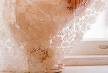 LACE / Lace dresses, skirts, pants, coats, style, fashion, bloggers