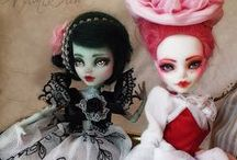 145 Monster High Dolls / Monster High. Custom repaints. Clothes & accessories.
