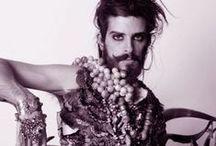 Barba, bigode e batom / Crossdressing, transgender, gender undefinition, beauty.