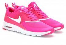 Női sportcipők, sneakers