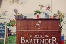 Wooden vintage cocktail bar / Ours vintage portable cocktail bars