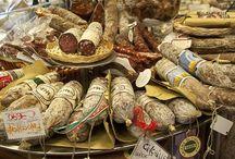 Sensaciones Embutidas. / Todas las texturas y gustos del mundo guardadas para explotar dentro de nuestra boca !!! / by Victor Goldfeld