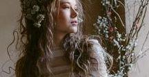 """Maura Brandino - Il Sogno Atelier 2018 / La Bellezza è una forma del Genio, anzi è più alta del Genio perché non necessita di spiegazioni. Essa è uno dei grandi fatti del mondo, come la luce solare, la primavera, il riflesso dell'acqua scura di quella conchiglia d'argento che chiamiamo luna."""" (Oscar Wilde)  CREDITS Dress: Maura Brandino – Il Sogno Atelier Photo: Il Baccello di Vaniglia Hair & Makeup: Rosanna Curci Stylist: Camilla Cascino Visual Stylist"""