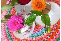 Crochet / Kleurrijke haakprojecten die je inspireren om meteen aan de haak te gaan! / by Marjo Houben