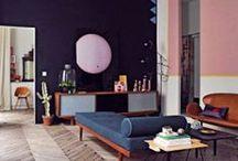 eclectic, colorfull interiors /  ćwierćtony i półtony spatynowane i wytarte, wyblakłe, złamane szarością, przykurzone lub sprawiające takie wrażenie- tak.