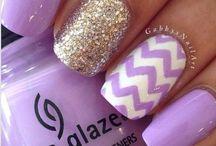 Pretty nails / by Anna Arena