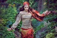Girl @ Costume (Gypsy)