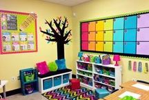 Classroom Decor / Full of classroom decor and organization! Make your classroom pretty but very student friendly. Useful for kindergarten to upper elementary!