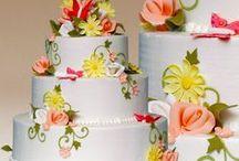 Wedding Cakes / http://montilios.com/traditional/